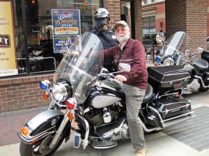 A23-motor-policijski Cleveland za Navdihni me by Insights d.o.o.