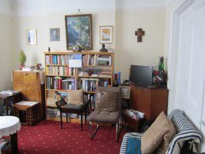 03 Dnevna soba, ki je bila moja »spalnica« v času, ko smo bili v Londonu Navdihni me by Insights d.o.o